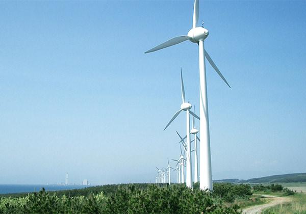 風力発電で工場やオフィスを稼働