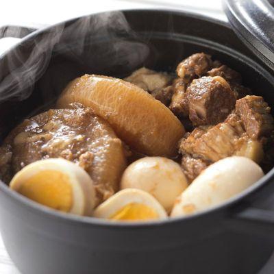 豚バラとトマトの角煮ソースを使ったお料理