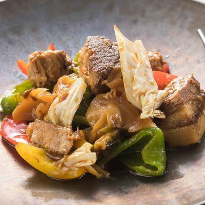 豚バラとトマトの角煮ソースを使った「回鍋肉」