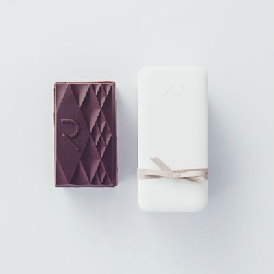 Tablet Gateau Chocolat Bitter/Gin と外箱イメージ